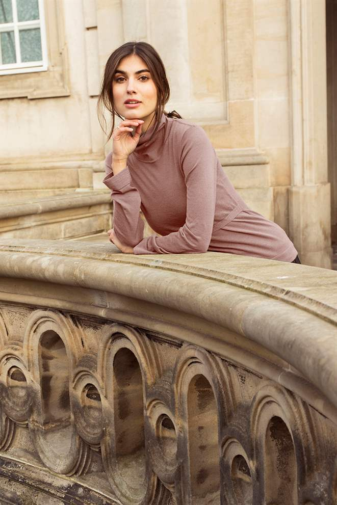Classic roll neck nursing top in delicate rose