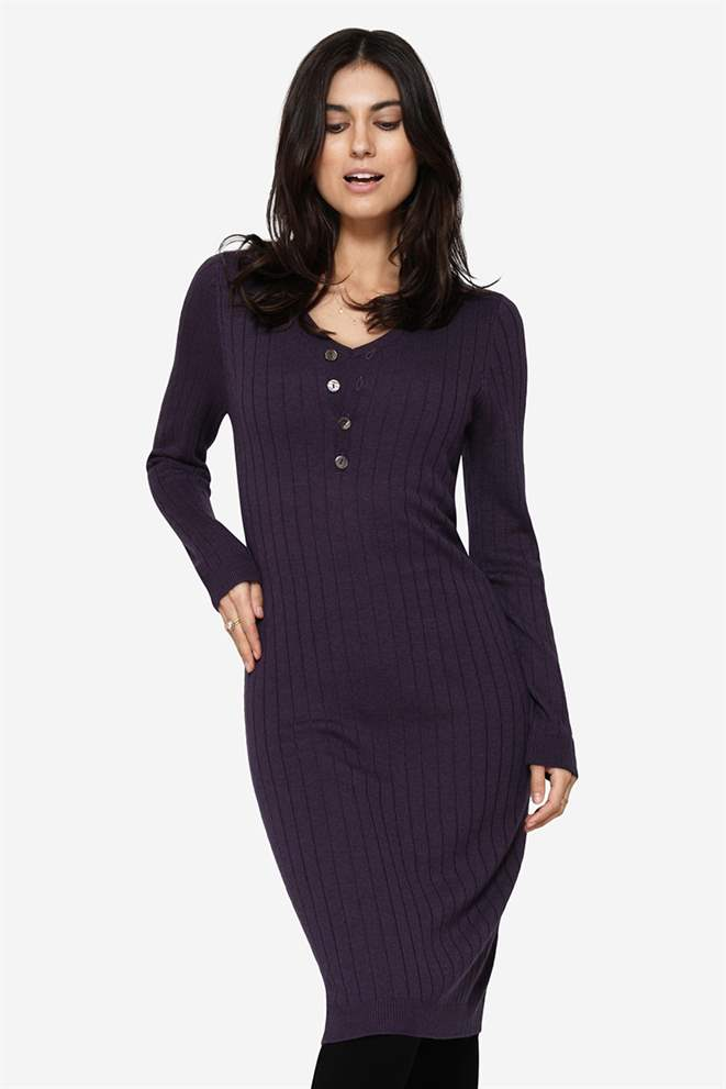 Purple breastfeeding dress in Merino wool and rib knit and beautiful V-neck - Front view