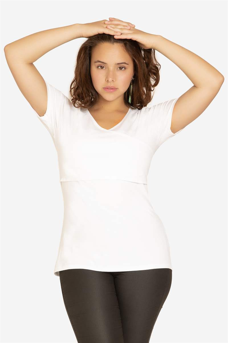 White nursing top with V-neck and wrap-around look in Organic cotton - Seen on Plus size