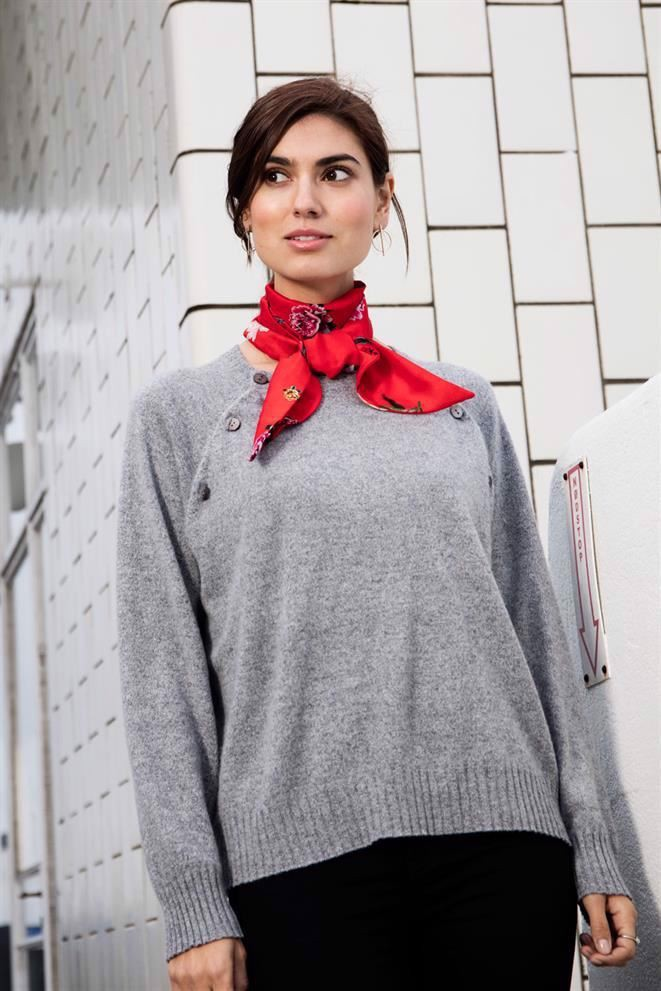Grey soft cashmere nursing jumper with buttons - on location