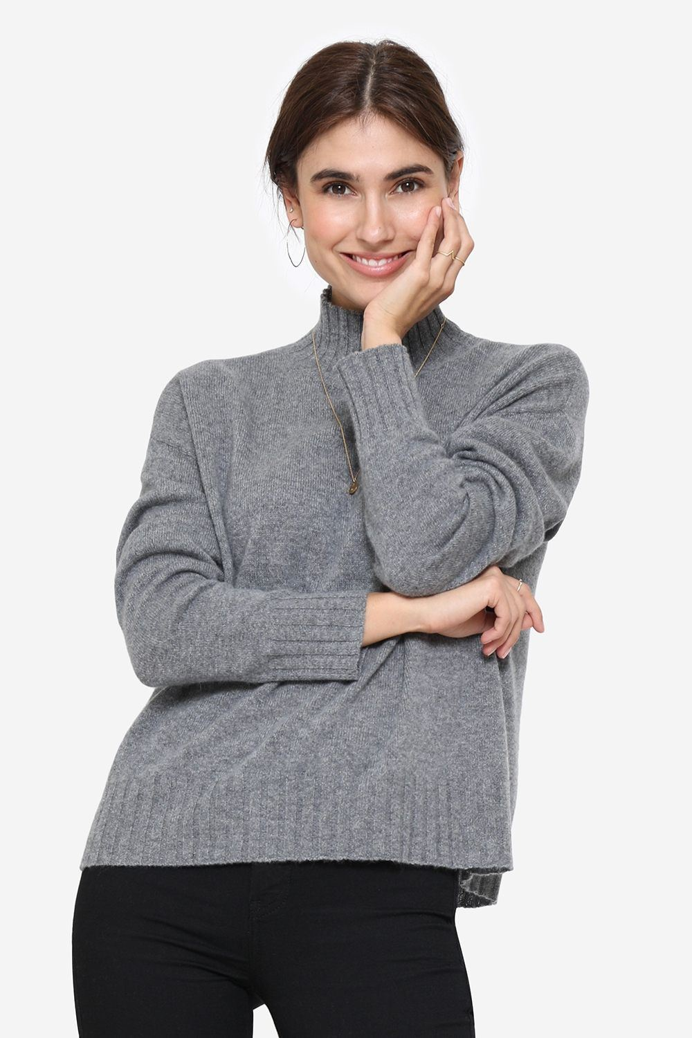 Soft casmere sweater in grey melange with small collar, front view