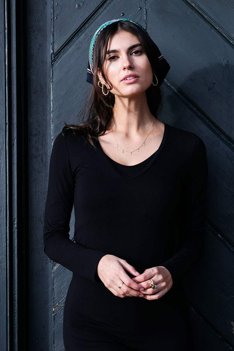 Slim fit black nursing dress in soft organically grown bamboo  - On location