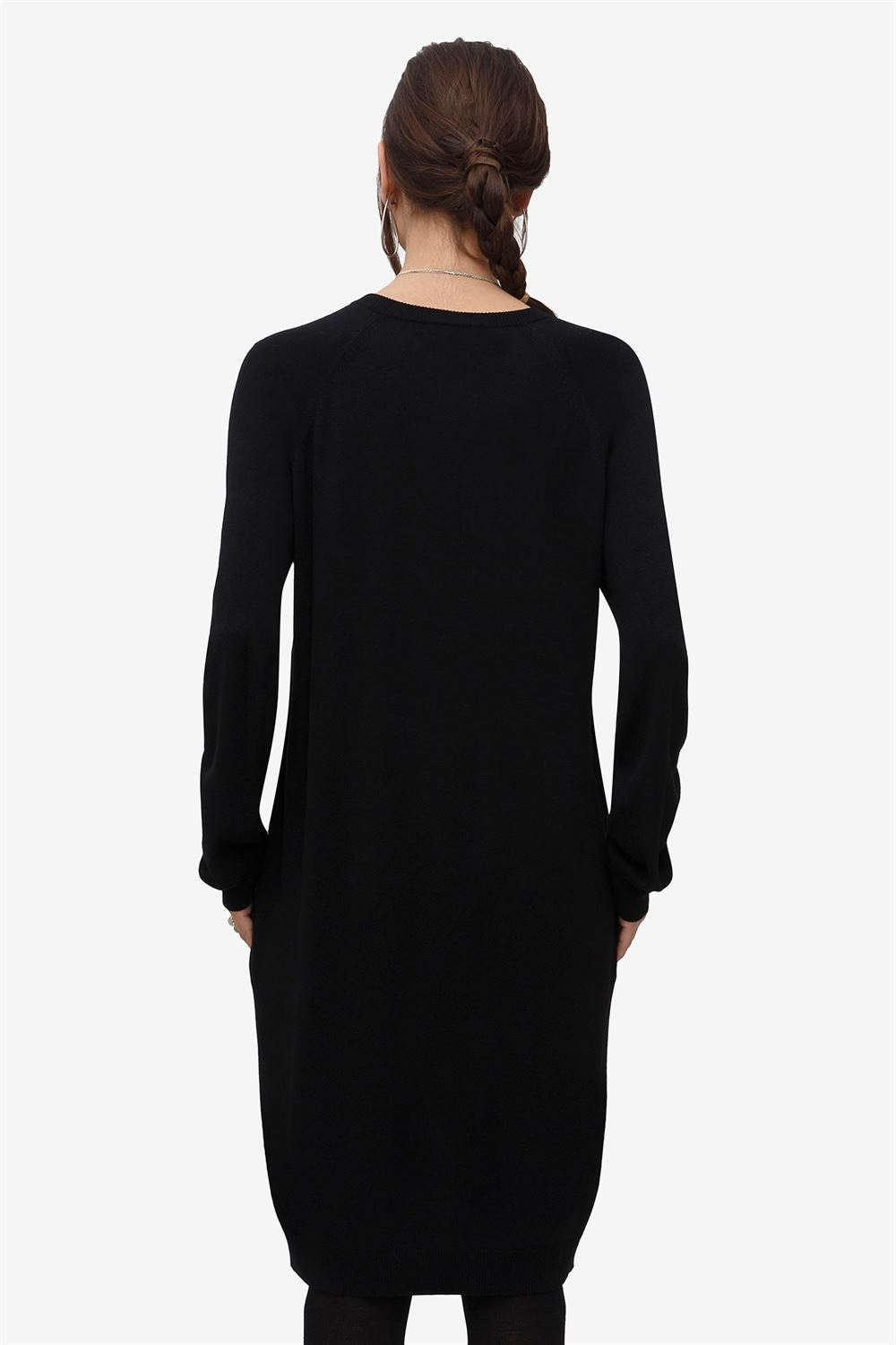 Black nursing dress with pockets and zipper nursing opening  - Seen from behind