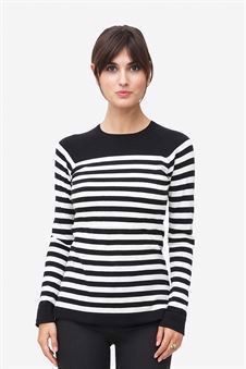 Black/White striped nursing top made of organic cotton knit - waiting pose