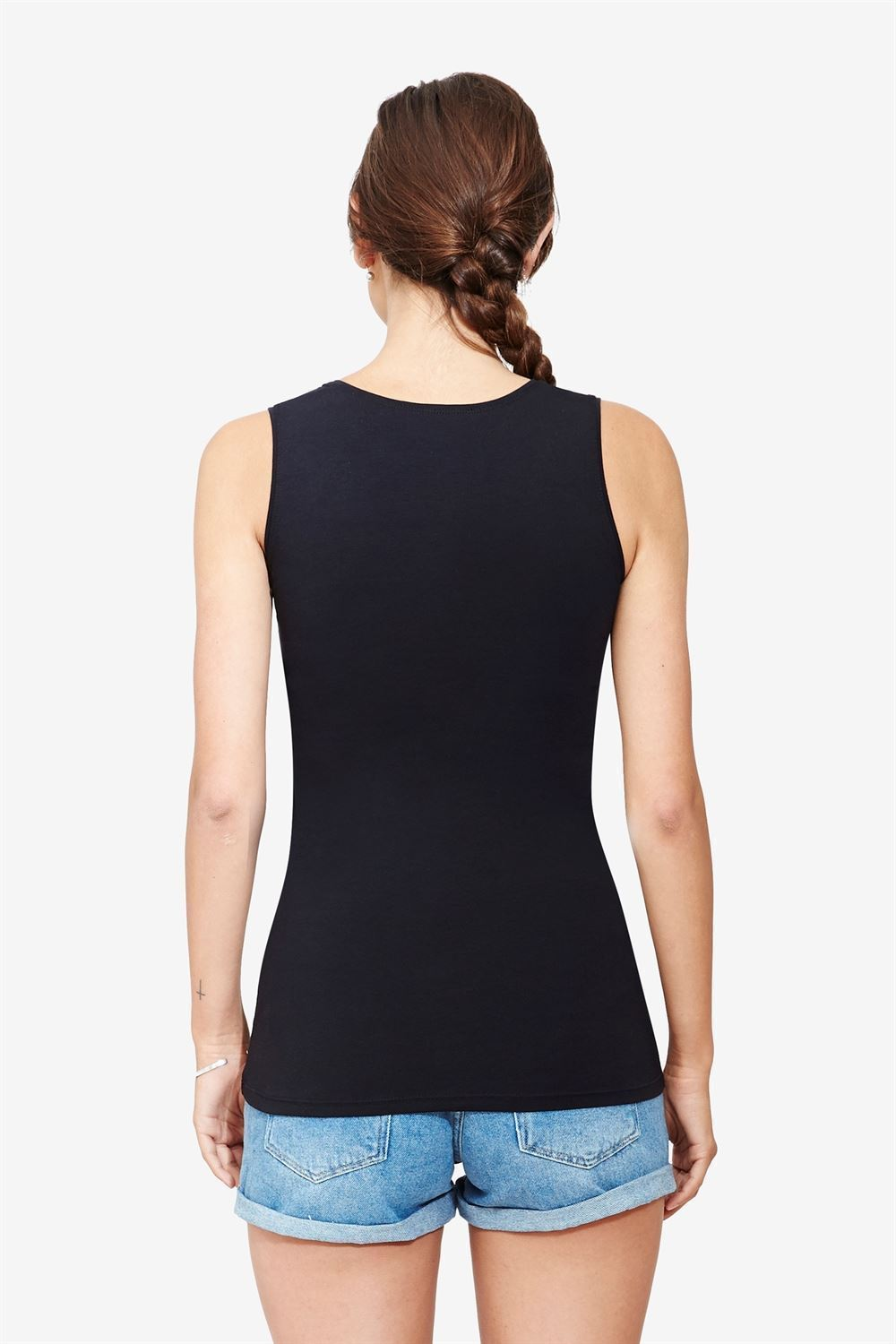Black nursing top - classic and simple design in organic cotton - Seen from behind