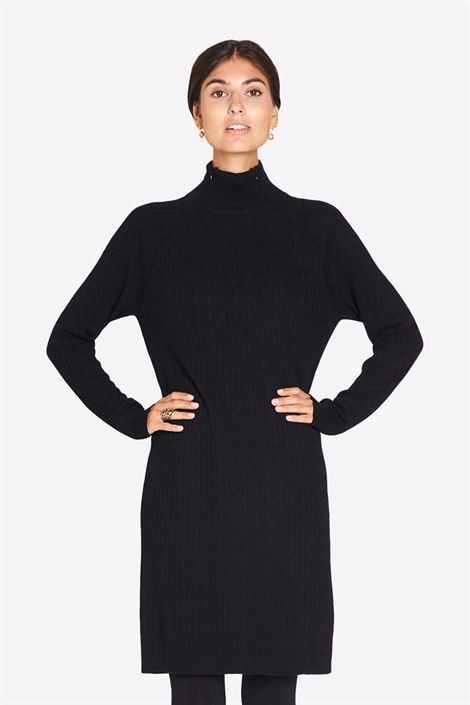 Black High-necked nursing dress in cable knit - Front view